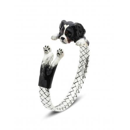 Dog-Fever-Hunderinge-enamelled-hug-bracelet-cavalier-king